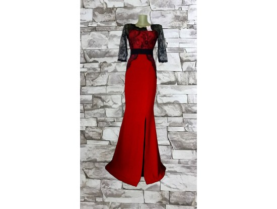 Rochie de seara lunga rosie cu dantela neagra aplicata Sellina